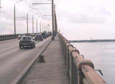 Житель Энгельса пытался спрыгнуть с автомобильного моста.  По сообщению УГИБДД по Саратовской области...
