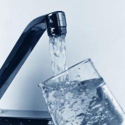 Без воды - жилые дома, детсад и спорткомплекс