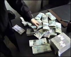 Средний размер взятки в России - 250 тысяч