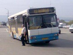 Рецидивист ограбил водителя автобуса