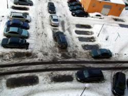 Владельцы автостоянок жалуются на произвол чиновников