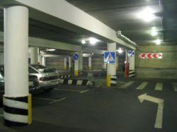 Около ТЮЗа предполагается запретить парковку не гостей театра