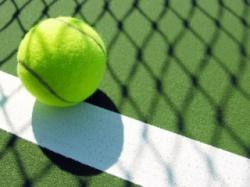 Теннисистка прошла квалификацию, гандболисты проиграли