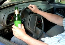 Пьяных водителей предлагается лишать прав пожизненно