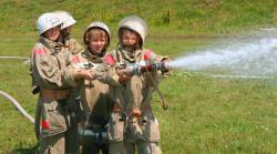 12 детей поехали в Германию на слет юных пожарных
