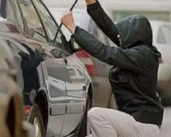 Угонщиком автомобиля оказался арестованный за грабеж