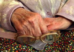 Пенсионерку обманули на миллион