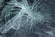 В столкновении фургона и Lancer пострадали две женщины и ребенок