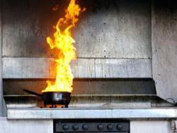 Во время приготовления пищи пенсионерка получила ожоги второй и третьей степени