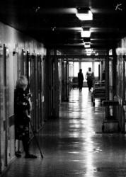 В больницу доставлены мальчик с истощением и девочки с ссадинами