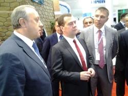 В Сочи Дмитрию Медведеву рассказали о проекте саратовского аэропорта