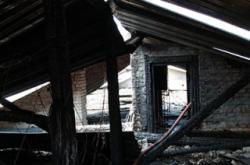 На пожарах сгорела кровля цеха хлебного завода, погибли 2 человека