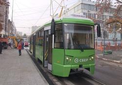 Радаев и Исаев осмотрели единственный в Саратове трамвай с кондиционером