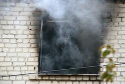 На пожаре в Елшанке погиб неизвестный мужчина