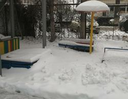 Прокуратура и чиновники следят за уборкой снега у школ и детсадов