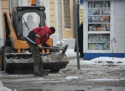 Энгельсского главу отчитали за использование бюджетников при уборке снега