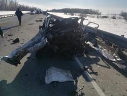 Водитель Форда погиб в аварии с автовозом