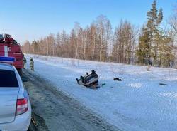 На трассе в опрокинувшемся в кювет автомобиле пострадал пассажир