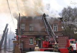 Пожарные потушили дом на Чапаева