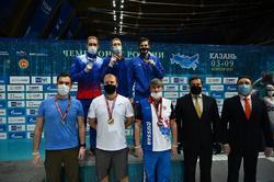 Пловец выиграл 3 медали чемпионата России