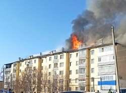 С пожара в пятиэтажке в больницу увезли 4 человек