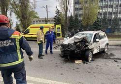 Водитель Мерседеса, пострадавший в массовом ДТП, умер в больнице