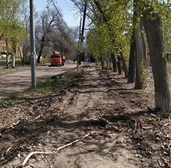 Горожанин пожаловался на затянувшийся ремонт тротуара