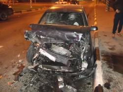 После ночного ДТП двум водителям понадобилась медицинская помощь