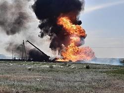 В Новоузенском районе загорелся участок газопровода