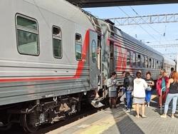 Семьи с детьми смогут покупать билеты на поезда по льготным ценам