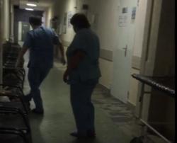 После инцидента с бездомным в больнице уволили санитарок