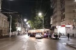 Ночью в центре Саратова Рено врезался в трамвай