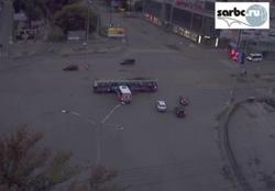 Столкновение маршрутки и трамвая попало на видео