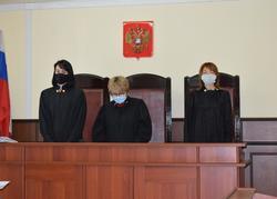 Суд не дал многодетной женщине выписать свою мать из квартиры