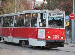 Ребенка высадили из трамвая. Оценку двум версиям дадут следователи