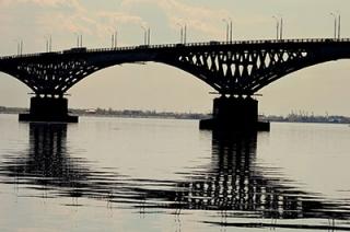 Перекрытие моста. Жители Энгельса доезжают до работы быстрее обычного