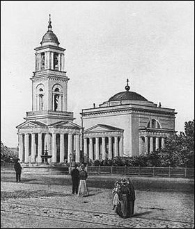 После визита Патриарха Митрополит Лонгин напомнил о необходимости восстановления Александро-Невского собора