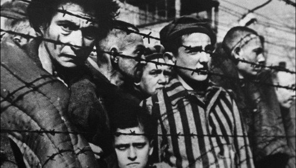 """Бокова - о польской версии освобождения Освенцима: """"Это суждение навязано западными политическими игроками"""""""