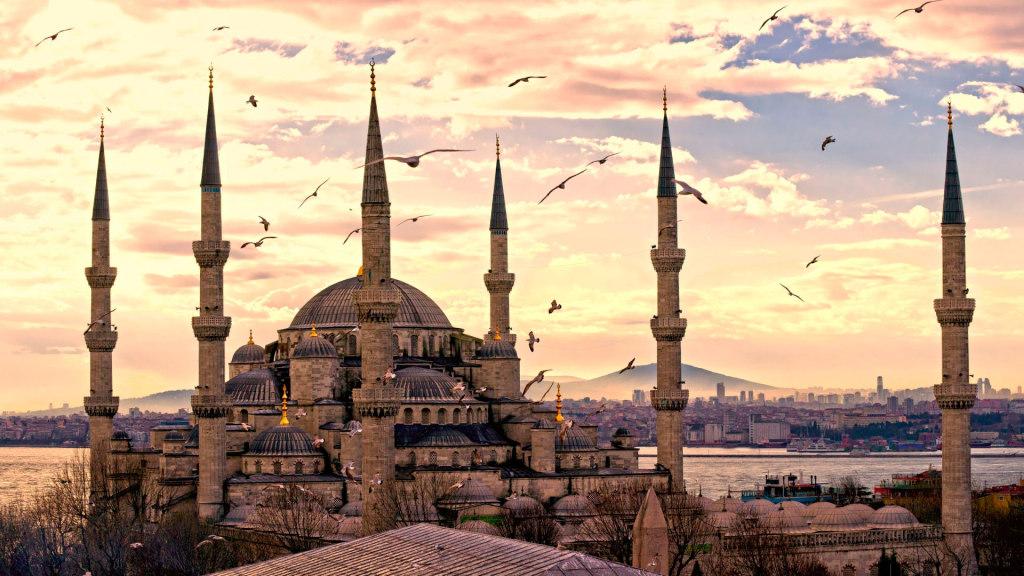Туроператор отменил программу перелетов Саратов-Стамбул-Саратов