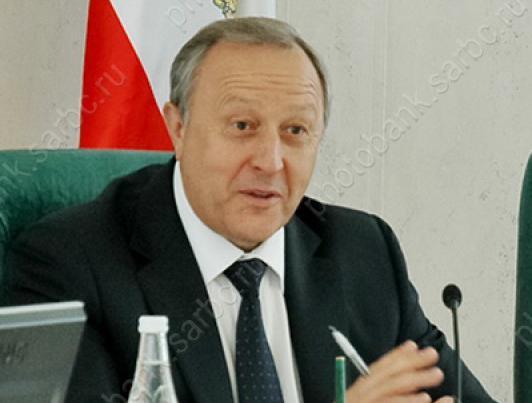 Губернатор за год заработал более 3 млн рублей