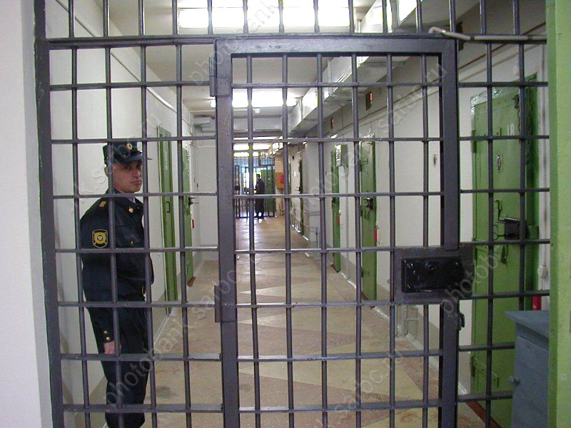 Саратовский арестант смыл вунитаз том уголовного дела. Вынесен вердикт