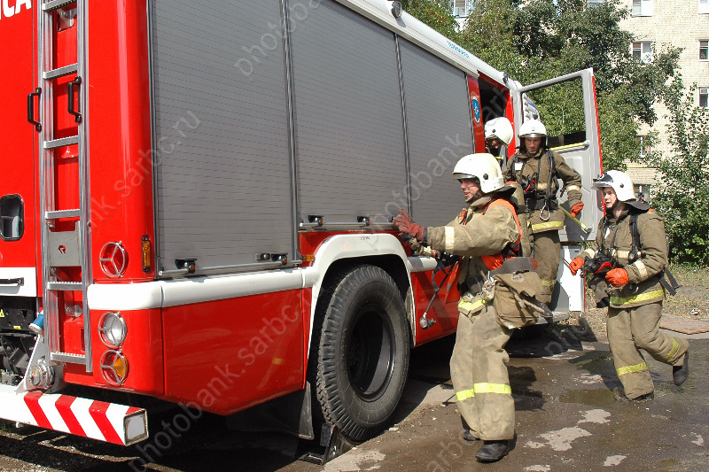 Пожар произошел вКраснокутском летном училище гражданской авиации