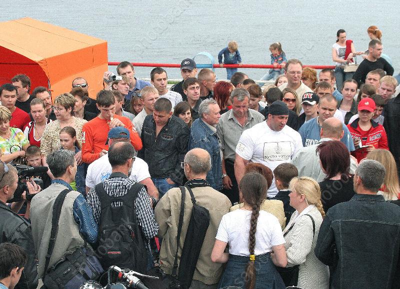 Жители России предпочитают стабильность, безопасность исуверенитет— Опрос