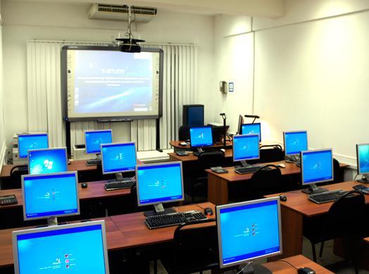 60 пензенских школьников начали обучать язык Python