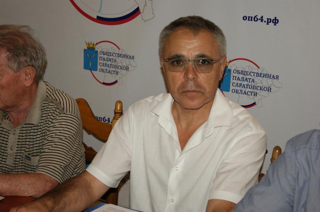 Руководитель дорожного комитета Саратова Гайнанов покинул собственный пост