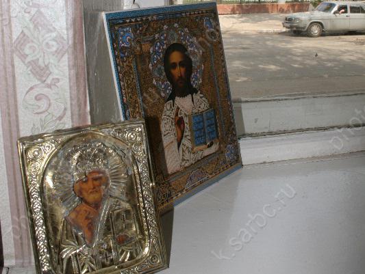 ВСаратовской области рецидивист отобрал узнакомого две иконы