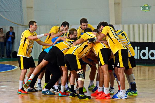 Саратовские гандболисты выиграли матч вСуперлиге сразгромным счетом