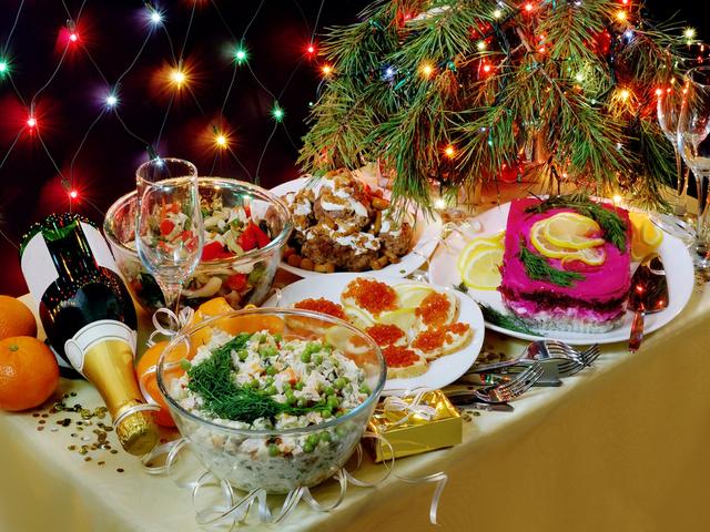 Скромный новогодний стол без «Оливье» жителям Камчатки обойдется минимум в2860 руб.