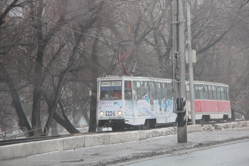 ГИБДД просит помощи впоисках водителя, протаранившего трамвай