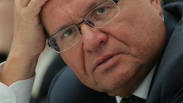 Больше половины граждан России считают арест Улюкаева показательной акцией